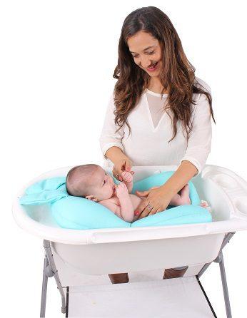 צופי מצוף צבעוני לרחצת תינוק