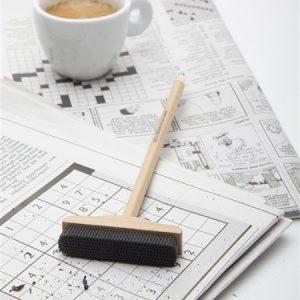 עיפרון בצורת מטאטא