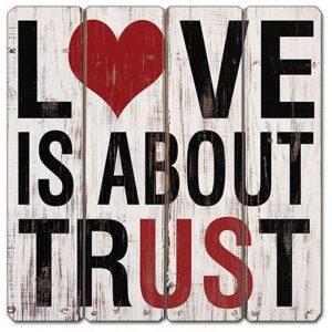 אהבה היא