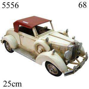 מודל מתכת מכונית ישנה