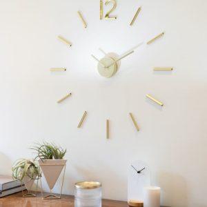שעון קיר מרחף