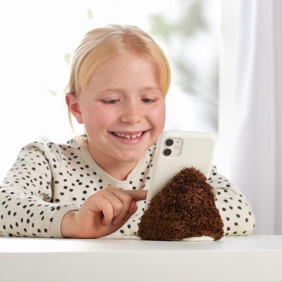 בובה מחזיקה טלפון לילדים